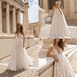 Berta praia vestidos de casamento floral 3D Applique Lace V Neck mangas Backless Trem da varredura Plus Size vestidos de noiva Robe De Mariée