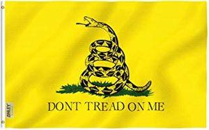 Drapeau Gadsden d'alimentation haut de serpent Drapeau de thé bannière Ne marchez pas sur moi Drapeau 3x5 FT Polyester Rattle avec Œillets Double Stitched