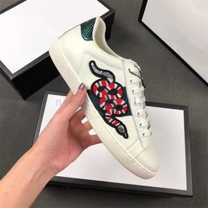 2019 Homens Mulheres Sapatos Casuais Moda de Luxo Marcas Designer Tênis Lace-up Running Shoes Verde Red Stripe Abelha De Couro Preto Bordado