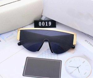 Gafas de sol para mujer Gafas de sol de calidad Gafas de playa para hombre Alto Alto ADUMBRAL Venta al por mayor-Polorizado UV400 Colores 6 con gafas de moda V0019 OPOE