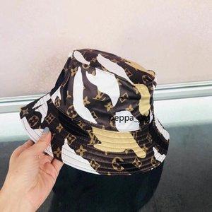 Français lettre de luxe Stingy Brim Chapeaux femmes hommes chics accessoires nobles de tête unisexe casquettes de baseball design de haute qualité A61