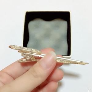Nouveau style alliage C lettre pince à cheveux avec diamant Liu Hai pince à la mode à la bouche côté de la tête de pince accessoires cadeau de fête 3pcs / lot