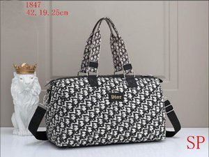 AW2 men WOMEN designer handbags purses Cross Body Clutch shopping messenger Shopping bag shoulder bag Totes Cosmetic Bag wallet bags