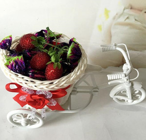 2020 Белый Трехколесный велосипед пластиковые конструкции Цветочные корзины Контейнер для цветов Завод Главная Weddding украшения оптовой