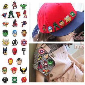 Botón 100pcs Marvel PVC figura de dibujos animados Broche pines insignia botones distintivos Mochila sombrero de la ropa de la decoración