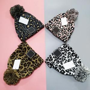 Di lusso a maglia Berretti Leopard Cap Cappelli Designer Cappelli Women C Lettere morbide Crochet cappelli di marca Inverno Sci cappello esterno moda Pompon