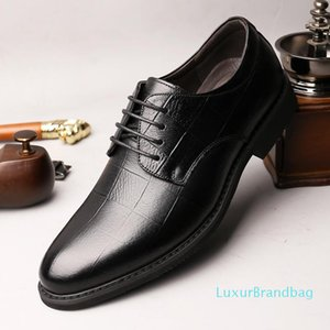 Hombre especial de invierno de Asuntos de Negocios Crystal2019 Adams Jun Corregir los zapatos de cuero de vestir principal de la capa de ventilación del zapato masculino Frente Chalaza individual