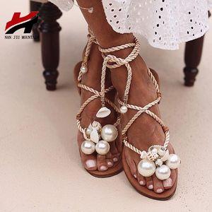 Shells Plano Sandals Handmade pérolas do NAN JIU montanha do verão Sandálias Mulheres Ankle Straps Plus Size 35 - 43 Shoes Y200405