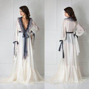 Feder-lange Hülsen-reizvolle Frauen Robe tiefem V-Ausschnitt Rüschen Nachtwäsche Sweep Zug Bademantel Pyjamas 2020 New Prom Brautjungfer Startseite Bekleidung Shawel