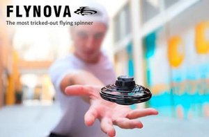 2020 Flynova Ufo Fidget Spinner Toy Kids Portable Flying 360 °Rotating Shinning Led Light Release Xmas Flying Toy Gift Action Figures By1489