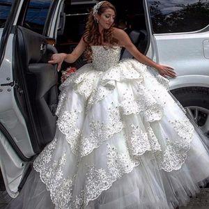 Luxo inchado vestido de bola vestidos de noiva beading rendas camadas strapless vestido nupcial tule camadas 2020-2021 Dubai vestidos de casamento