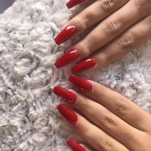 24pcs Ballet Faux ongles pleine couverture artificielle à long Conception ovale Vin rouge Faux ongles Presse sur ongles courts Conseils Nail Art Conseils