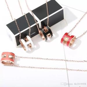Collier pendentif en acier 316L de titane 45CM or rose H H Pendant Collier émail forme pendentif bijou multi-couleurs avec la boîte d'origine