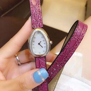 Banda de cuero Caso romántico único Serpenti 28MM forma de doble espiral de cuarzo rosa para mujer Relojes del diamante del bisel madre de la perla de marcación