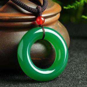 Güzel Takı Doğal Yeşil Jade Meduller Yuvarlak kolye Lucky Blessing Kolye Kadın Erkek Hediyeleri Sıcak 2019 Yeşim heykeli
