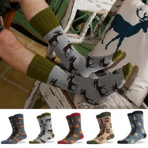 Transfrontalière automne et d'hiver nouvelles chaussettes de marée chaussettes en coton animaux fun coton hommes chaussettes d'un nouveau bas de pieds nus cerf mâle