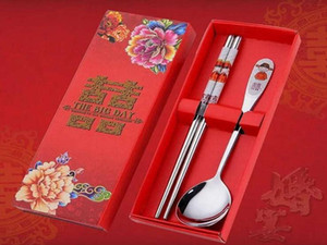 100 pcs lot Stainless Steel Dinnerware Double Happiness Red Color Spoons Chopstick Sets Wedding Party Gifts For Guest