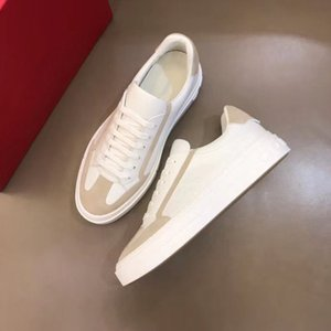 2020 new high quality men's casual shoes men's fashion leather sneakers daily casual shoes embroidered pattern jkm01