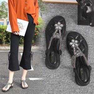 Été Nouveau plat Tongs femmes bande élastique strass sandales de plage douce Leathe Bohemia Style talons bas Flats Chaussures Femme