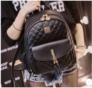 Diseñador del nuevo diseñador Mochila para chicas adolescentes con doble bolsa de hombro de lujo viaja al aire libre Schoolbags para los estudiantes de mujeres mochilas