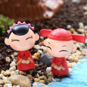2PCS / الكثير الدمى زوجين العروس والعريس الزينة الزفاف مايكرو الحلي المشهد النمط الصيني الحلي الإبداعية الحرف