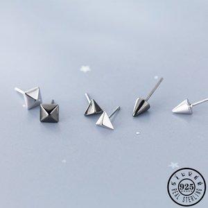 925 Sterling Silver Малого Геометрической площади треугольник Cone Формы черного цвет ухо Коты Серьга Kpop изящные ювелирные изделия для женщин Девушки