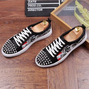 New Luxury Designer Sneakers Low Cut Suede spike Luxury Shoes For Men Shoe Party Wedding crystal Leather Dress Shoes D50