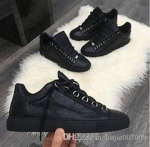 2017 nuovo progettista Marca Man piatto scarpe casual Kanye West Moda spiegazzato stringate in pelle scarpe da ginnastica Low Cut Runaway Arena taglia 46