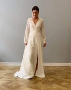New Design Elegant Bohemian Long Sleeve Wedding Dress A Line Chiffon Sexy Deep V Neck High Slit Women Plus Size Bridal Gowns