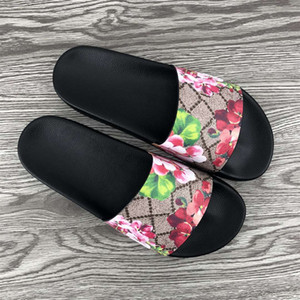 2020 Nuevo Slipper Slipper Slipper Fashion Flowers Floral Brocado Caucho Ancho Plano Diapositiva Hombres Mujer Playa Sandalias Causales Flip Flops