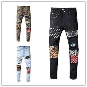 2019 LuxuxMens Designer-Jeans Tarnung riss dünne Jeanshosen Leopard Patchwork Designerhosen Niet Motorrad Jeans US-Größe 29-40