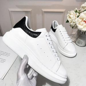 2019 Luxus-Designer Herrenschuhe Marken Outdoor Casual Designer Sportschuhe Mode Lace-up flache beiläufige Schuh-Größe 38-45 5 Farben