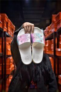 Summer new ladies slippers fashion designer design indoor and outdoor women thick bottom non-slip beach slippers flip flops