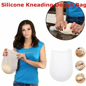 1PCS White Eco-Friendly kitchen tools simple practical fast convenient food grade non-stick silicone kneading dough bag