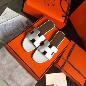 Box 2020 brand new slippers sandals flat shoes leather slippers best quality tailored specifically for women