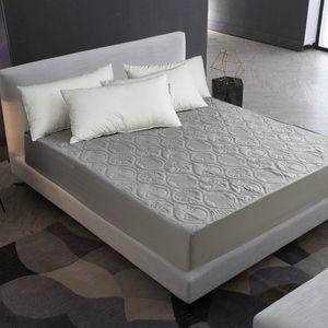 Tampa Estilo cor sólida acolchoado Embossed Waterproof Folha protetor de colchão cabido para colchão de espessura macia Pad para Bed