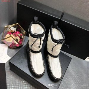 Classic womens autumn winter Half Boots snow boots Warm comfortable leather shoes with flat heel and ankle boots With box