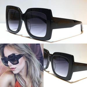 Femmes populaires 0083 Lunettes de soleil Place d'été Plein cadre de qualité supérieure Protection UV Goggle couleurs mélangées viennent avec la boîte 0083S