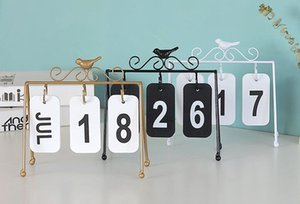 2019 Wholesale European wrought iron flip calendar decoration Creative bird calendar home desktop decorative metal crafts