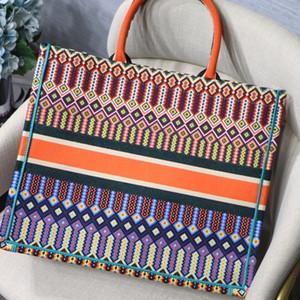 Новый цвет Высокое Качество Вышивка Классические Красочные Цветы Дизайнерские Сумки Multi Color Известный Бренд Узор Сшивая Мода Сумка