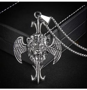 Avrupa Ve Amerikalı Punk Tarzı Kişilik Titanyum Çelik Lion Başkanı Çapraz Wings kolye Paslanmaz Çelik domineer Erkekler kolye