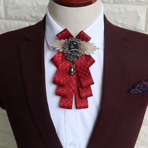 Affari Blu Bow Tie nozze degli uomini di Bow Tie britannico a mano a quadri Groomsmen Uniforme High-end Bow Ties Mens Accessori di moda
