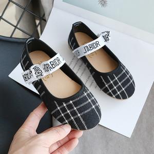 Sandali delle ragazze dei capretti la principessa dei pattini delle ragazze Nuovo fiocco piatto Children Shoes Casual Outdoor-scarpe morbide Sole modo di stile di Student-Shoes 2020 Nuovi