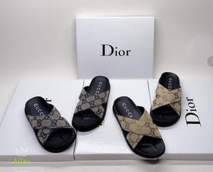 pattini delle nuove donne di cuoio delle donne calde di vendita 2020 nuovi pistoni di pantofole da donna tacco basso, trasporto libero J8