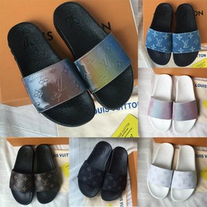 Lastest WATERFRONT MULE Womens Luxury Casual Slides Estate Wide Flat PVC Mens Designer Shoes Moda Prism Rainbow Slippery Sandals Slipper