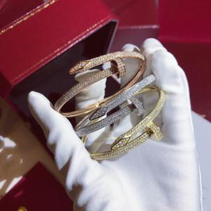 Heißer Verkauf Luxus-Frauen-Weibchen Damen Punk DJ voller Diamanten übertrieben Gypsophila Armband Nagel Armbänder Manschetten Armbänder