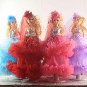 35 cm Vestido De Noiva Confuso Uma Boneca Próspera Trillion Barbie Boneca Chave Fivela Menina Brinquedos Temple Fair Best Sellers