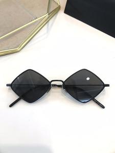 الجديد 302 النظارات الشمسية أزياء النساء مثلث Deisnger الشعبية الكاملة الإطار UV400 عدسة الصيف نمط الماس الإطار أعلى جودة تأتي مع القضية