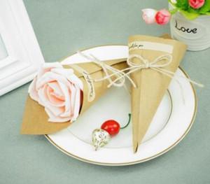 Presentes lembranças para Supplies convidados da festa 20pcs / Lot 15cm * 15cm Kraft cone de papel caixas de chocolate Vintage Wedding Party Favors