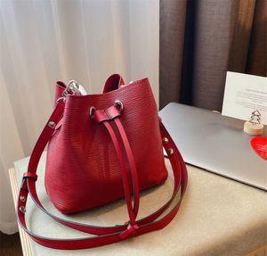 Kadın Moda Kepçe Çanta Yüksek kalitede omuz çantası Crossbody Çanta Lady Çanta fazla renk